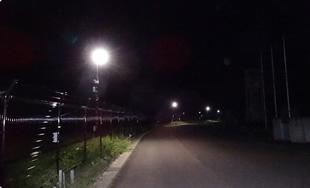 暗かった通学路を照らす街灯